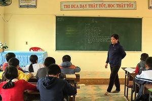 Giáo viên yêu cầu mỗi học sinh tát bạn cùng lớp 10 cái nói gì?