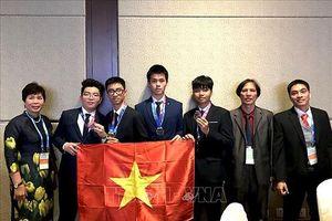 Chia sẻ của 'soái ca' HCB Olympic Thiên văn học và Vật lý thiên văn