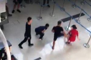 Khởi tố nhóm côn đồ đánh nữ nhân viên hàng không ở Thanh Hóa