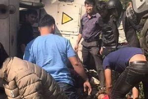 Lạng Sơn: Container bị lật, đè bị thương 3 phượt thủ