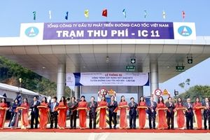 Thông xe nút giao IC-11 trên tuyến cao tốc 'huyết mạch' Hà Nội-Lào Cai
