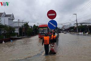 Khánh Hòa: Nhiều khu dân cư bị ngập, nhiều tuyến giao thông bị tê liệt