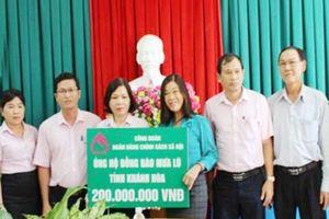 Công đoàn NHCSXH ủng hộ đồng bào bị mưa lũ tại tỉnh Khánh Hòa
