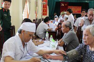 Hà Nội: Hơn 500 người dân hộ nghèo được khám bệnh miễn phí
