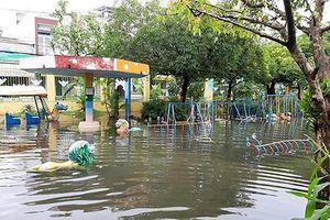Nước chưa kịp rút, hơn 400 trẻ mầm non lại nghỉ học ngày mai