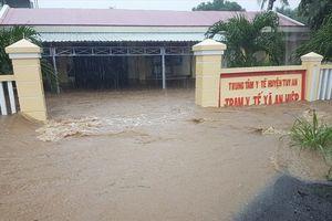 Phú Yên: Nhiều nơi bị cô lập, ngập lụt do nước lũ đổ về quá nhanh