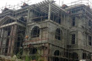 Vụ bạt núi xây biệt thự 'khủng' trái phép tại Thanh Hóa: Chủ tịch huyện thông cảm, nói Cty Công Thanh có 'ấm ức riêng'