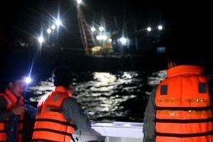 Quảng Trị: Cứu nạn 9 ngư dân và 2 tàu cá bị hỏng máy trên biển