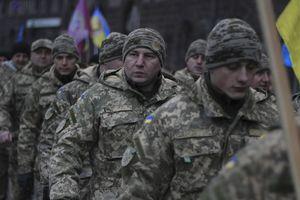 Ukraine 'báo động chiến đấu ở mức cao nhất', sẵn sàng đấu với Nga?