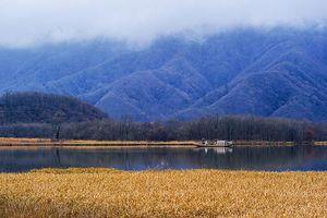 Đầu đông là thời gian tuyệt vời để sang 'láng giềng' Trung Quốc ngắm cảnh lá rơi, sương trắng