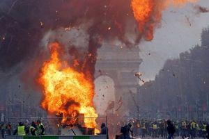 Biểu tình của phong trào Áo vàng ở Paris biến thành bạo loạn