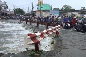Tìm kiếm thanh niên bị nước cuốn trôi tại Sài Gòn