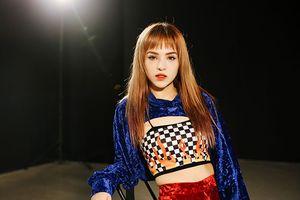 Mừng MV đạt 1 triệu views, Chung Thương T-Jo tung bản Dance 'chất hơn nước cất' tặng fan