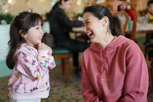 'Mỹ nhân đẹp nhất Philippines' tiết lộ mang thai con trai