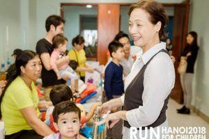 NSND Lê Khanh, MC Phan Anh tham gia giải chạy vì trẻ em bị bệnh tim, ung thư