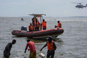 Bị chìm thuyền lúc ăn tiệc, 31 người thiệt mạng