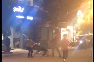 Hai nhóm thanh niên hỗn chiến trong đêm