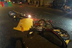 Hai xe máy đối đầu gãy gập, 2 người tử vong