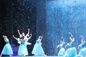 Thưởng thức 'Kẹp hạt dẻ - giấc mơ thần tiên' giữa Giáng sinh Hà Nội