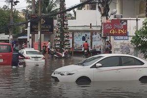 TP.HCM lênh láng nước sau bão số 9