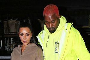 Vợ chồng Kim Kardashian bị chỉ trích vì thuê máy bay lớn, gây ô nhiễm