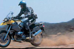 Xem BMW R1200GS chinh phục cồn cát trắng ở Nam Phi