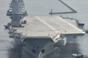 Tàu sân bay Trung Quốc tự đóng mới dính 'đòn' từ Mỹ