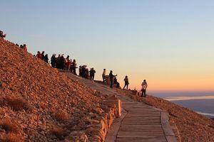 Đến núi Nemrut nghe chuyện Đông - Tây