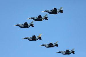 Đã mắt với màn phô diễn sức mạnh của tiêm kích F-2 Nhật Bản