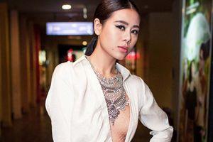'Kiều nữ làng hài' Nam Thư trở lại công việc sau khi liên tục gặp 'hạn'