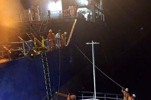 Cứu thành công 8 thuyền viên trôi dạt trên biển Khánh Hòa