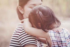 Đừng đổ lỗi cho nhau nữa, dù đúng dù sai, sau ly hôn, con trẻ vẫn là những người TỔN THƯƠNG nhất