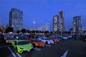 XE HOT (27/11): Khách hàng ở TPHCM chen nhau mua xe VinFast, hơn 200 siêu xe Lamborghini quần tụ