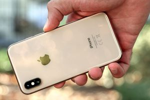 Apple và đối tác lao đao sau tuyên bố áp thuế iPhone của Tổng thống Trump