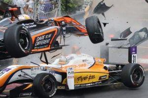 Sau tai nạn kinh hoàng, tay đua xinh đẹp muốn tái xuất ở F3 2019