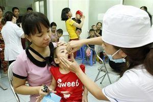 Hà Nội phấn đấu trên 99,8% trẻ em được uống bổ sung vitamin A liều cao