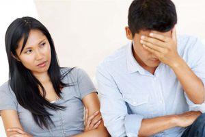 Cứ cãi nhau là vợ đuổi chồng ra khỏi nhà