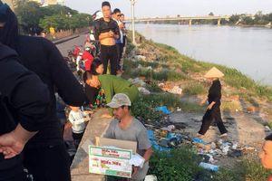Nam Định: Phát hiện thi thể bé trai sơ sinh bọc trong túi nilon dưới chân cầu