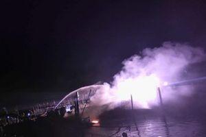Tàu gần 10 tỷ đồng của ngư dân Quảng Nam cháy rụi trong đêm