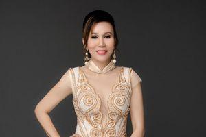 Hoa hậu Đỗ Lan làm người dẫn chuyện cho show thời trang của NTK Hằng Nguyễn