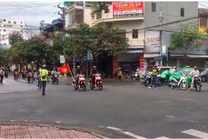 Truy tìm đoàn phượt thủ chặn đường để hơn 50 xe máy băng qua