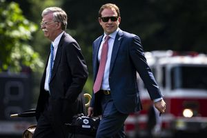 Trợ lý thân cận của Tổng thống Donald Trump sắp rời Nhà Trắng
