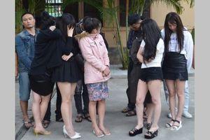 Bắt 17 thanh niên mở 'tiệc' ma túy trong khách sạn ở Nghệ An