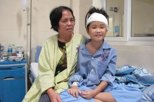 Bé 10 tuổi hồi phục kỳ diệu sau ca mổ khối u lớn ở giữa não