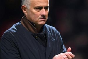 M.U thắng chật vật Valencia, Mourinho lại nói điều bất ngờ