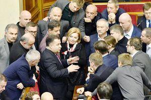 Căng thẳng leo thang, Nga kêu gọi Mỹ kiềm chế Ukraine