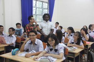 Tạo không gian mở để học sinh trổ tài Anh ngữ