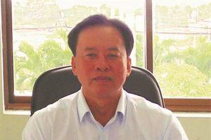 Chủ tịch huyện bị kỷ luật vì không có bằng đại học