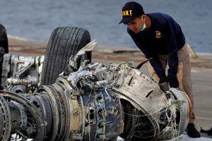 Máy bay Lion Air tự động chúi mũi nhiều lần trước khi lao xuống biển