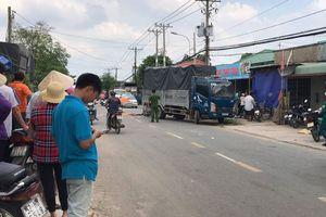 Hai người thương vong vì tông vào xe tải đang lùi